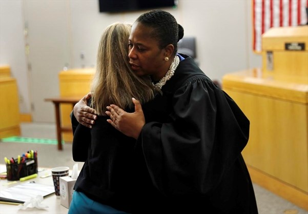 Legal Experts Slam Judge Tammy Kemp For Hugging Amber Guyger: 'Not Only Rare But Inappropriate'